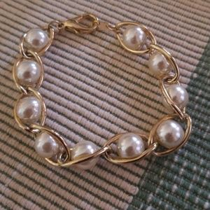 Jewelry - Pearl and gold bracelet